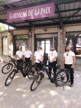 Acquisition de trois vélos électriques pour les gardiens de la paix