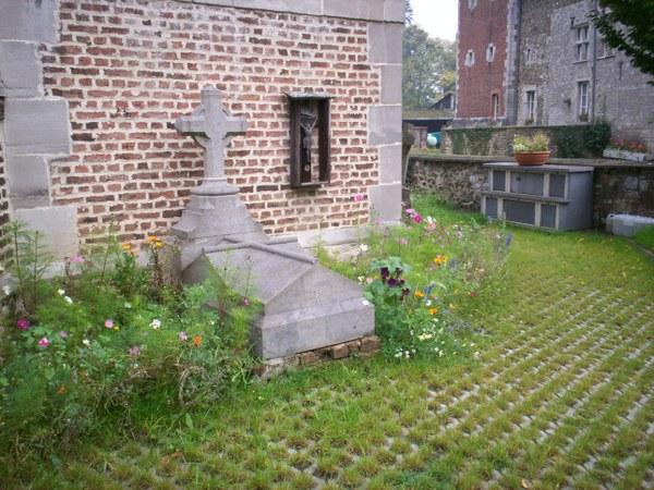 cimetière la Neuville.JPG